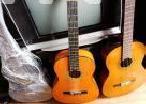 Box Guitar in Colombo 13