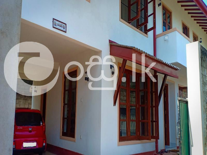 Fully Tiled and Completed House Houses in Kohuwala