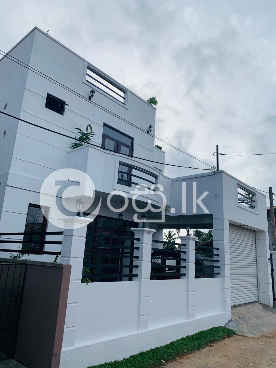 Brand New Two Storied House Houses in Ja Ela