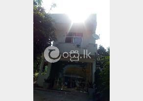 House for sale in Thalawathugoda in Talawatugoda