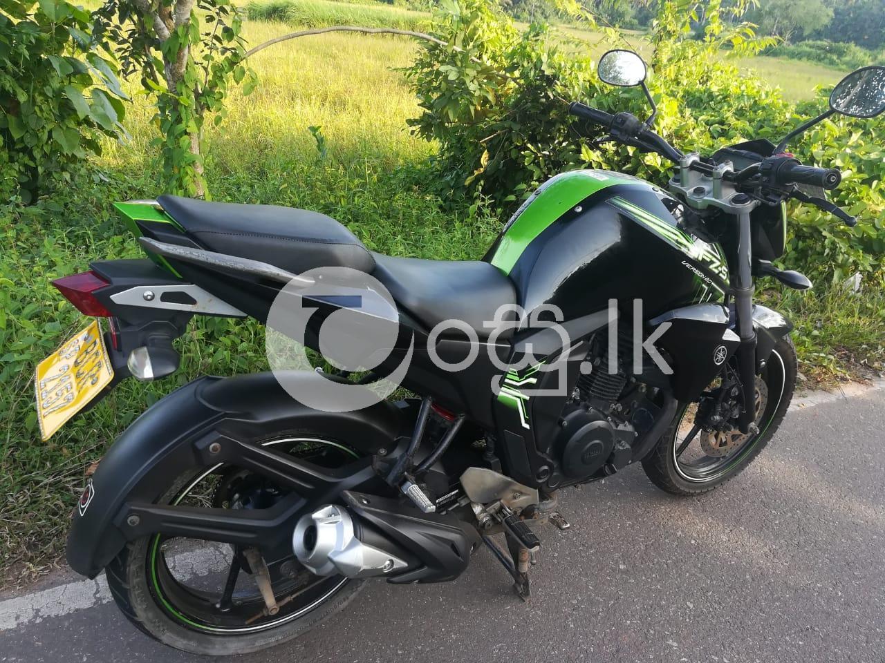 Yamaha Fz 2015 Motorbikes & Scooters in Delgoda