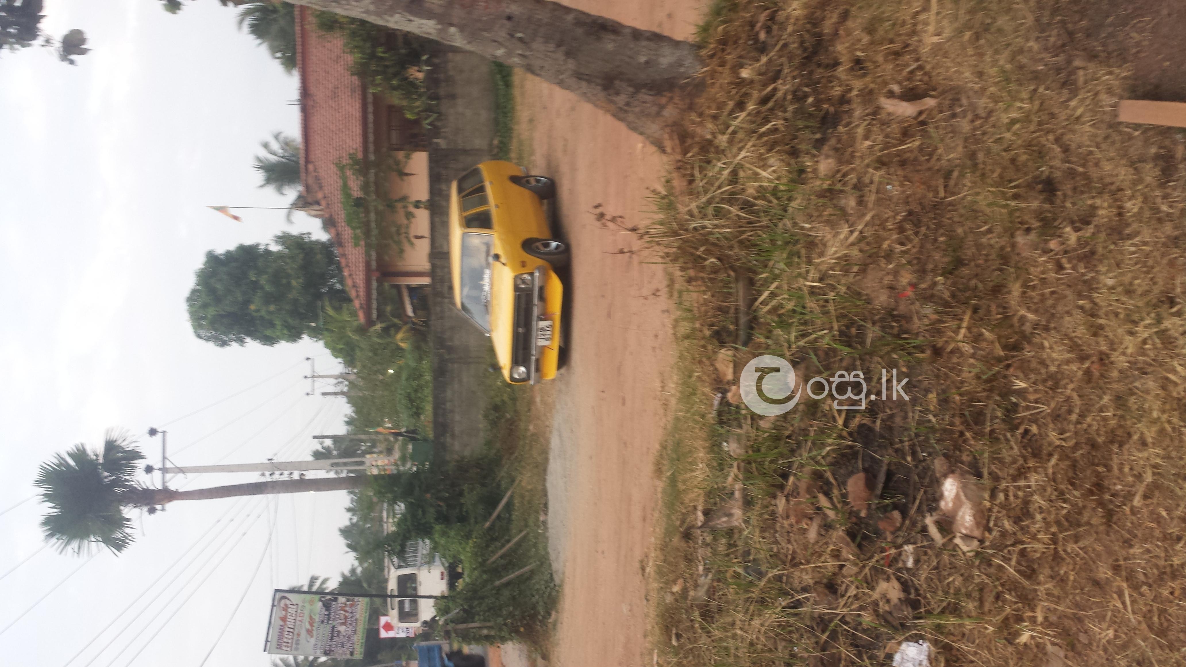 Datsun sunny vb310 Cars in Negombo