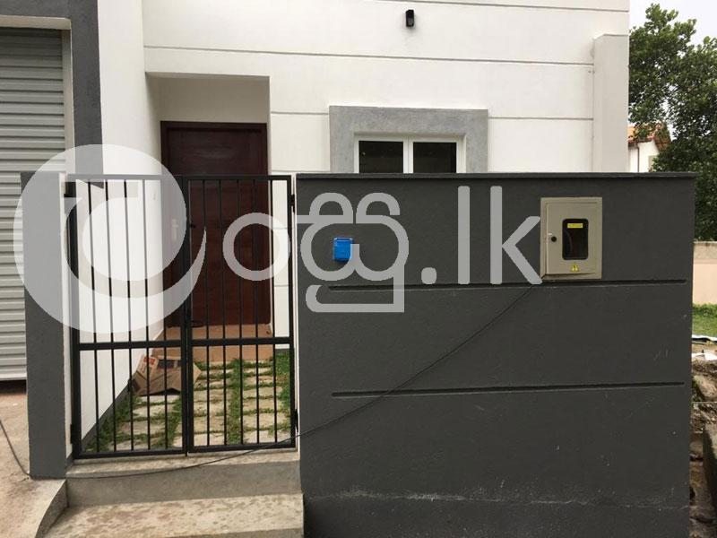 Brand New Completed Luxury House Houses in Piliyandala