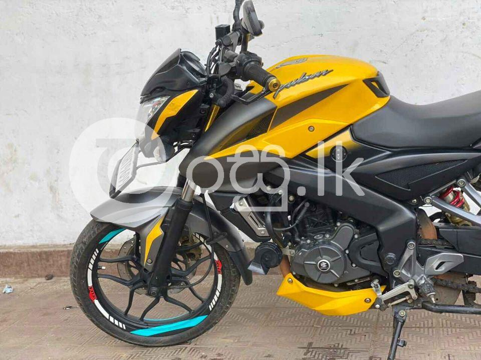 Ns 200 Motorbikes & Scooters in Mount Lavinia