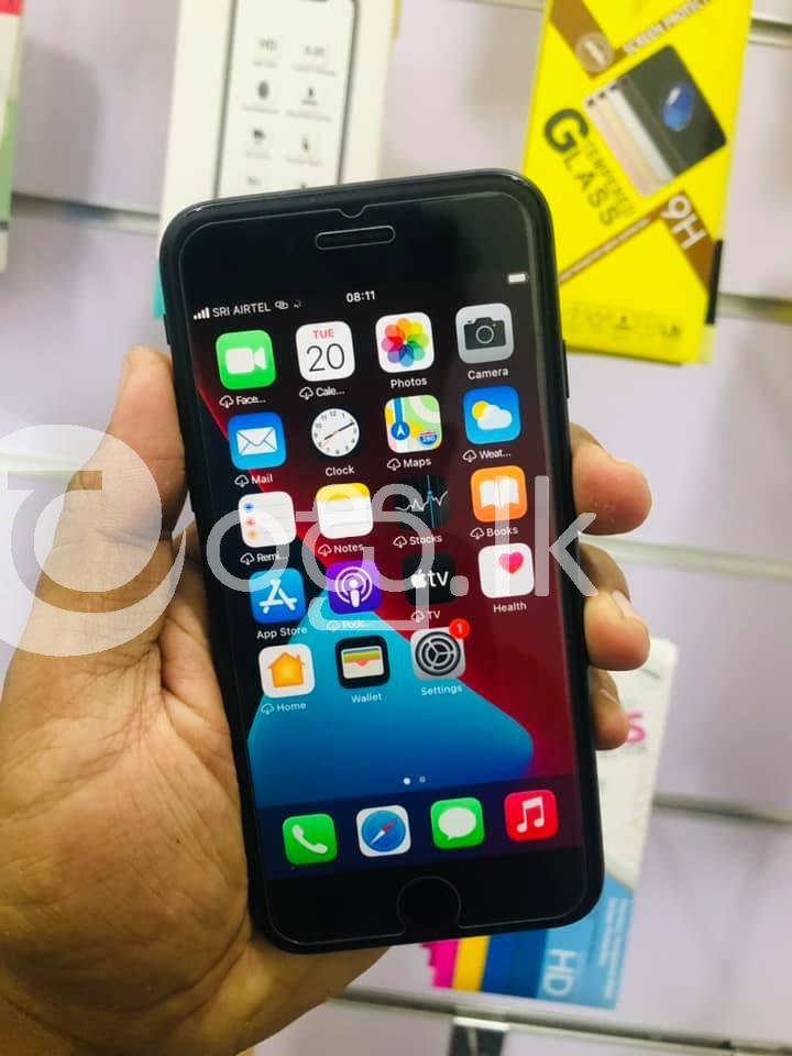 Iphone 7 (128gb) Matte Black Mobile Phones in Kalutara