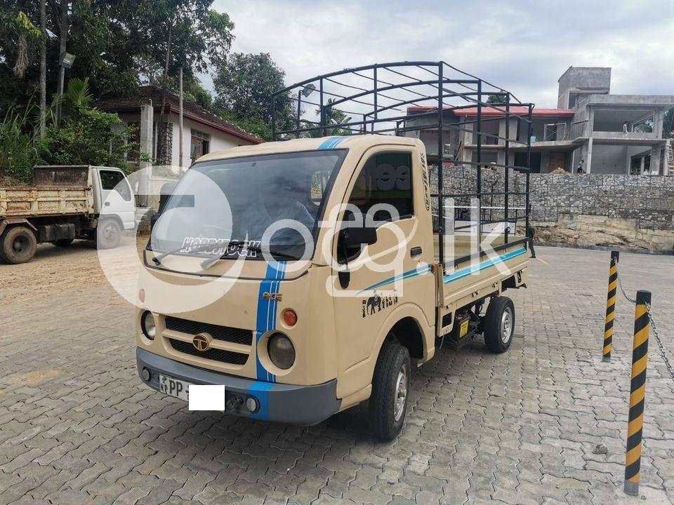 TATA Dimo Btta Vans, Buses & Lorries in Kegalle