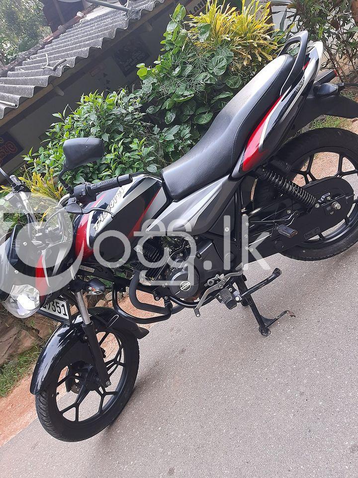 Bajaj Discover Motorbikes & Scooters in Kegalle