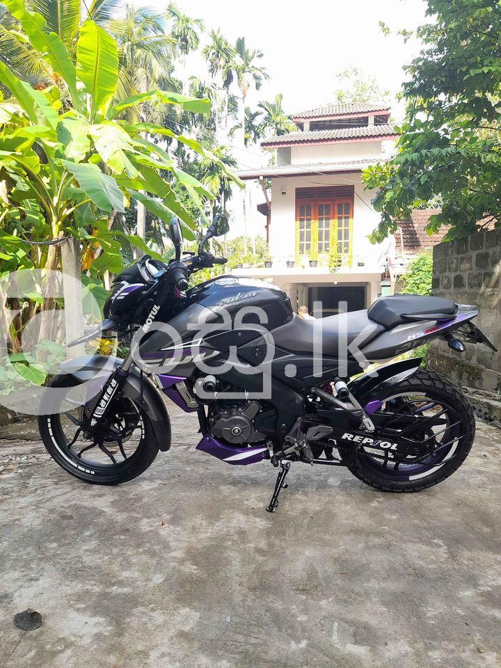 Bajaj pulser 200 NS Motorbikes & Scooters in Horana
