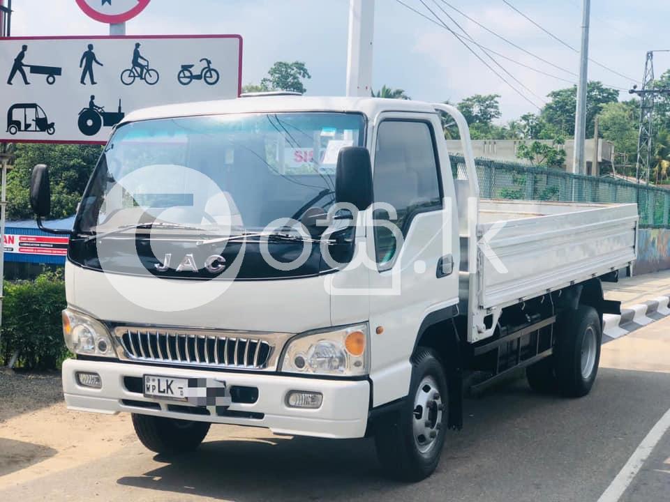 JAC Vans, Buses & Lorries in Kaduwela