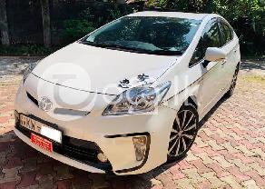 Toyota Prius G grade in Aluthgama