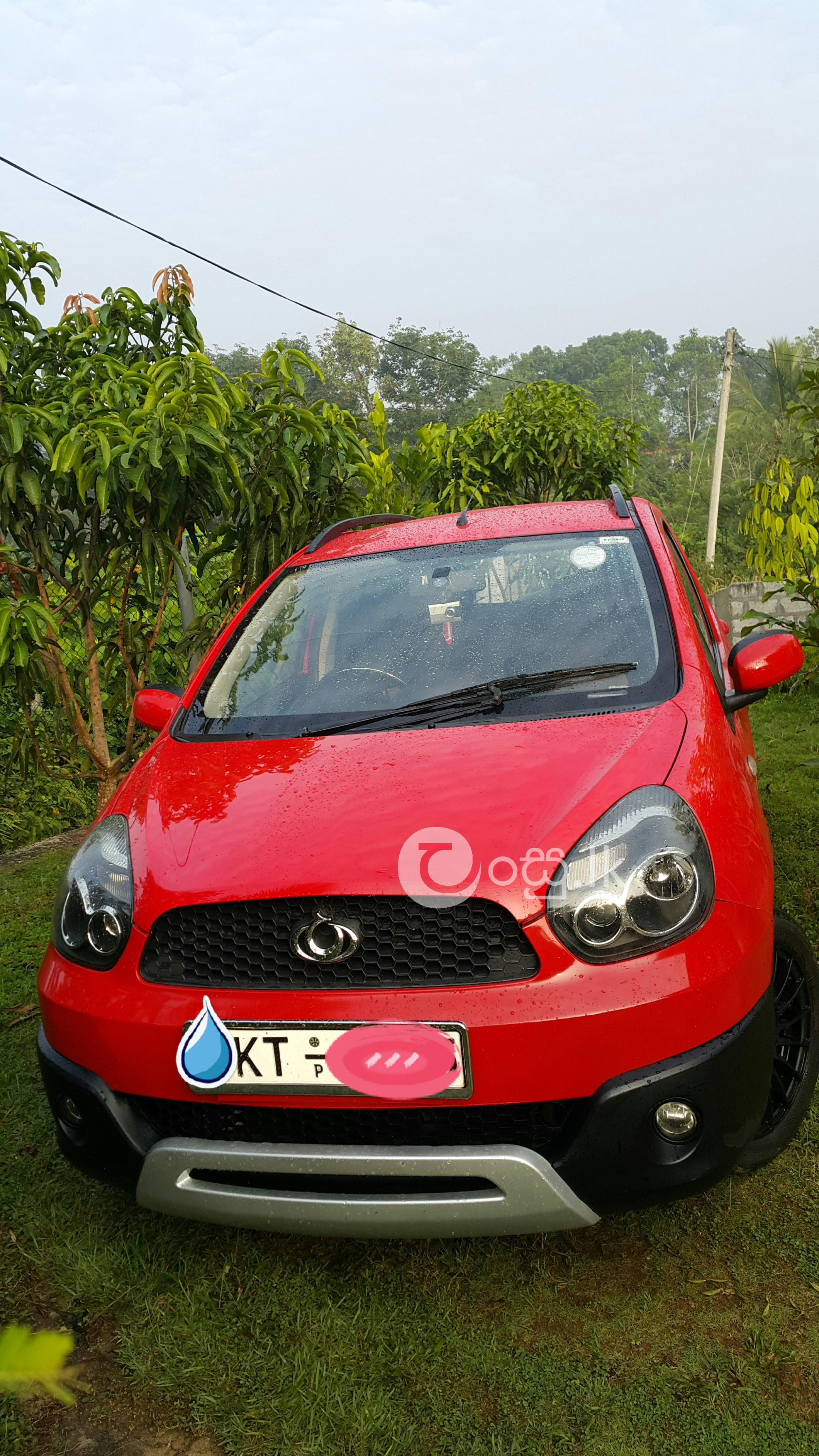 Panda cross lucky red car in Elpitiya